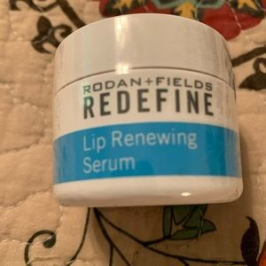 R&F lip serum